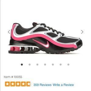 NWOT Nike shoes